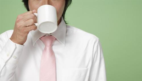每天清晨一杯水