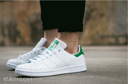 小白鞋如此受欢迎,你有一双自己的小白鞋吗?